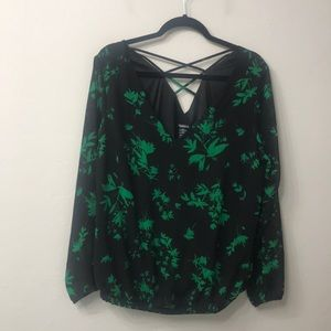 Torrid Black and green top size 0. NWT